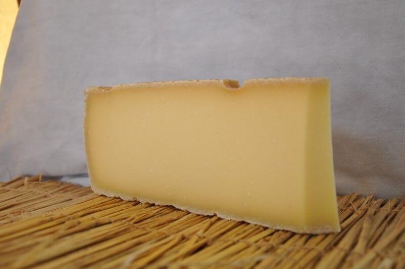 gruy re fromage suisse au lait de vache vente en ligne. Black Bedroom Furniture Sets. Home Design Ideas